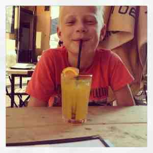 Middagen på Anker Klub kan starte etter at 7-up uten sirup ble erstattet av Schweppes Orange